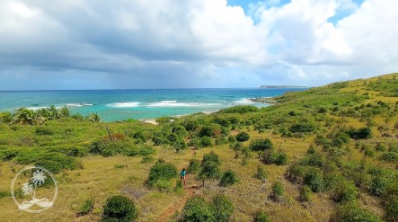 The hike to North Beach, Pinel Island